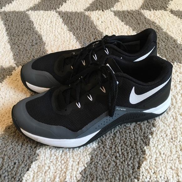 Electricista sonrojo tratar con  Nike Shoes | Womens Flywire Training | Poshmark